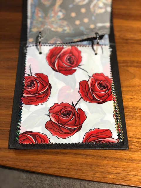 リアル薔薇柄です。キザにキメていきましょう!